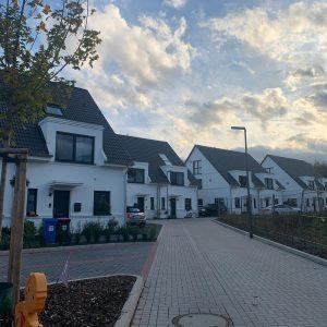 Wohnsiedlung mit Doppelhäusern